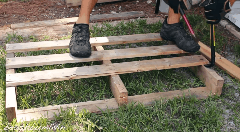 disassemble pallet