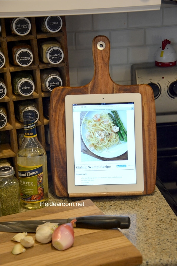 Ipad holder - thesawguy.com