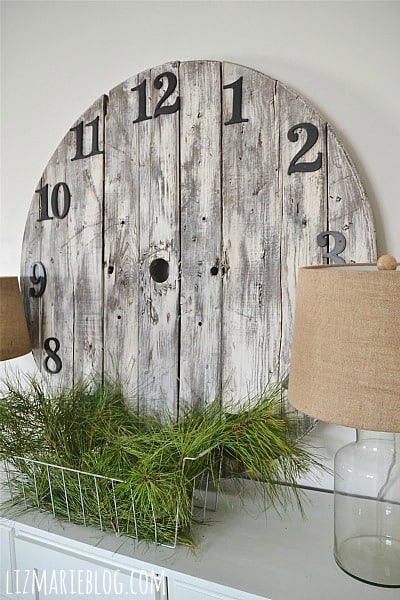 DIY Wood Pallet Spool Clock
