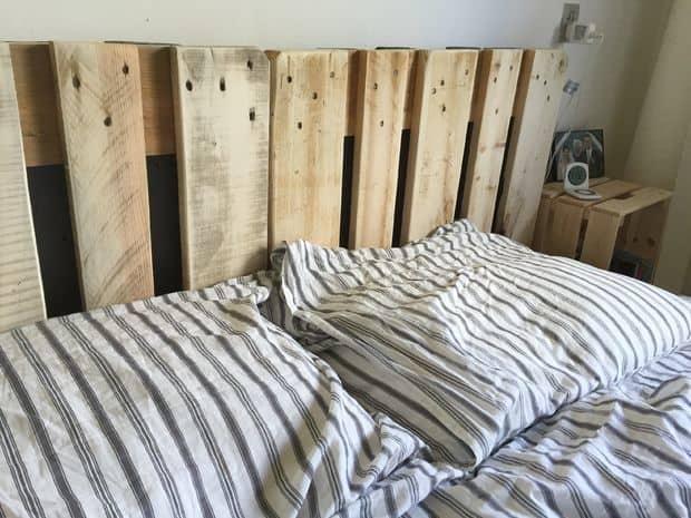 Simple Elegant Pallet Bed