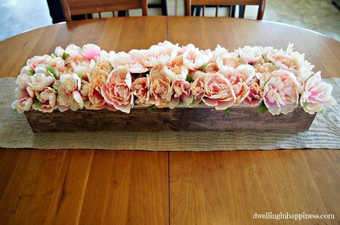 DIY Farmhouse Flower Box