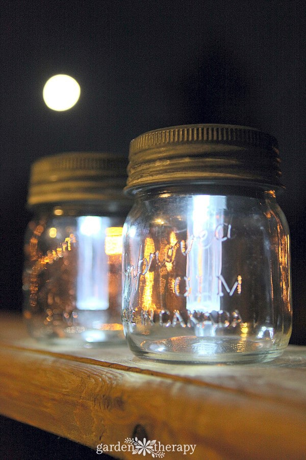 Solar Light Using Mason Jars