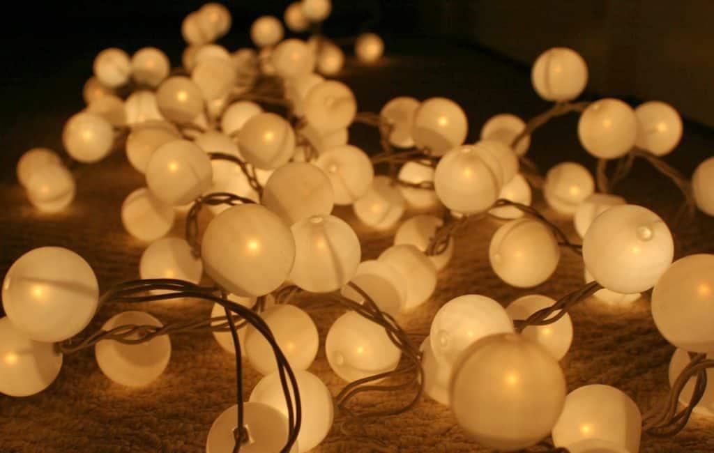 DIY Stringed Ping Pong Lights