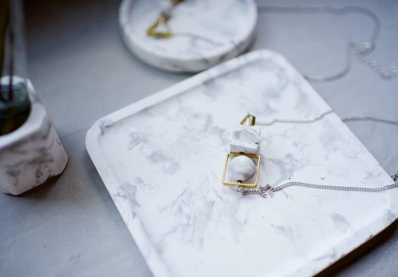 Marbled Concrete Trays in only 6 Simple Steps