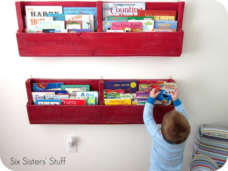 Pallet Bookshelf For Kids Room