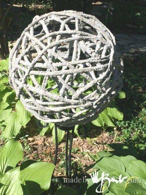 5-Step DIY Concrete Garden Orbs