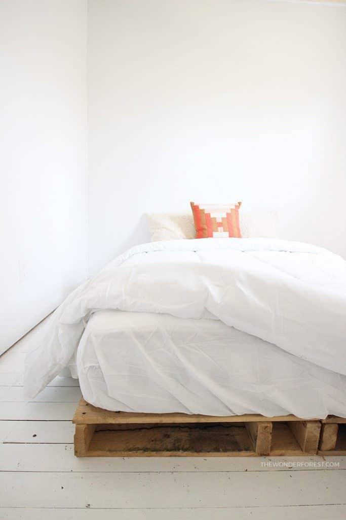 Cottage Pallet Bed