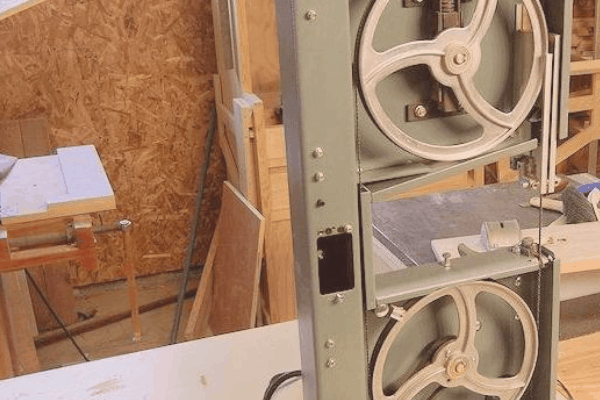 The Best Band Saw for 2019 – Complete Buyers Guide & Reviews