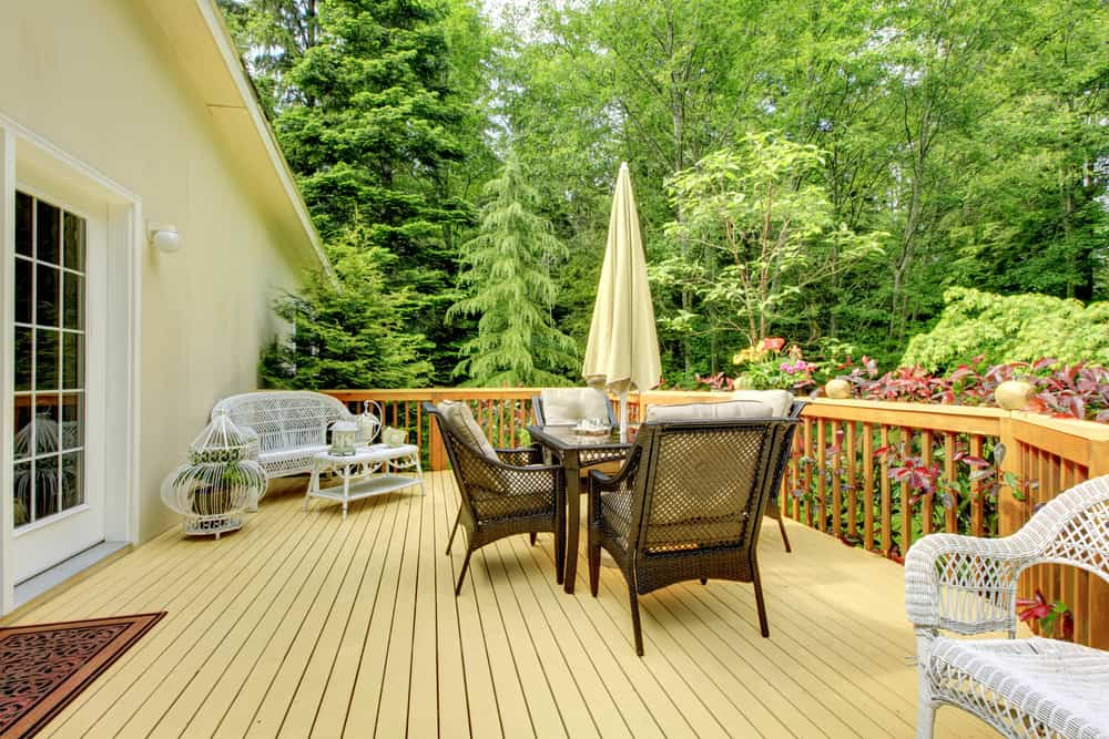 light and dark contrast deck