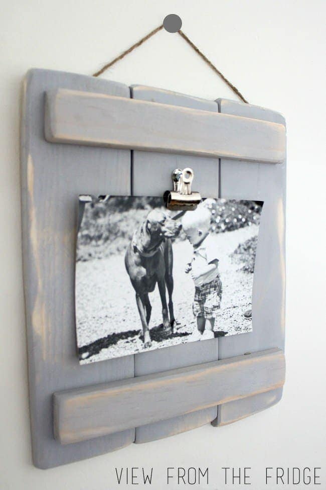 DIY Pallet Plaques Make rustic DIY pallet plaques as gifts or home decor. No matter where you hang your pallet plaque, I promise everyone is going to ask you where you got it from. thesawguy.com