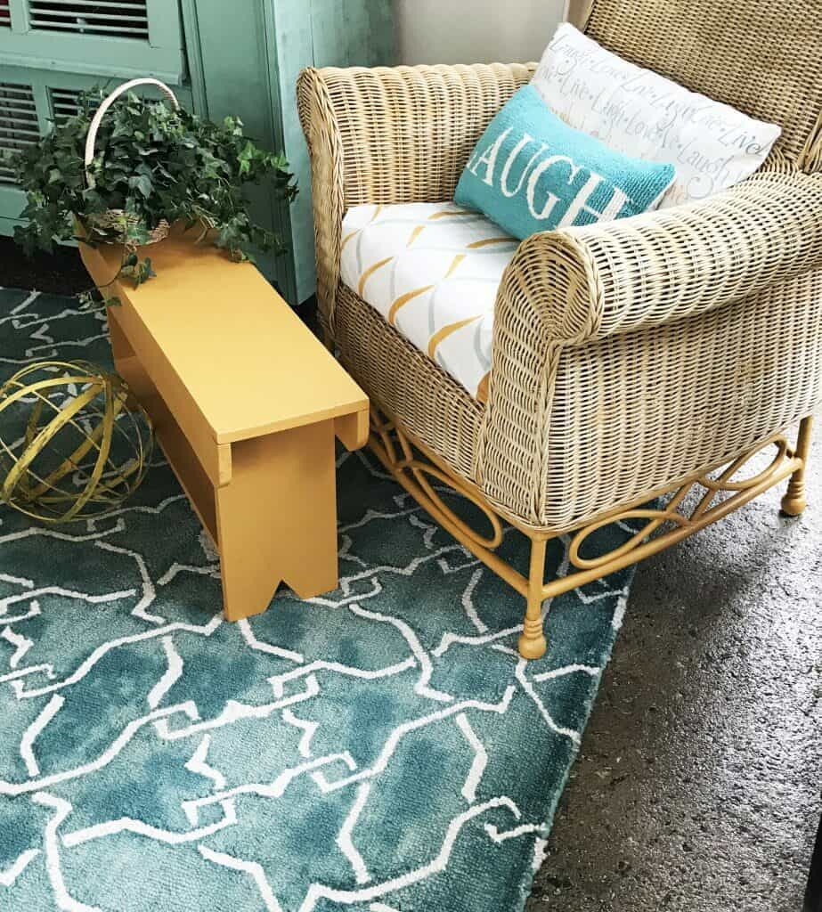 Quick milking bench for lots of use. - Quick and easy wood project for the whole family