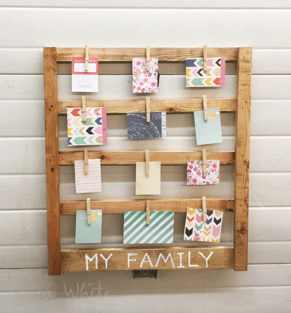 DIY display for all your pictures or cards - Quick and easy wood project for the whole family