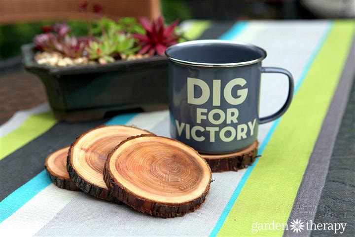 Wood Slice Coasters These wood slice coasters are incredible! Perfect to have in your home, office, or if you planning an upcoming wedding. Really, you can't go wrong! They also make great gifts and are super easy to make. There is just something amazing about fresh wood too! thesawguy.com