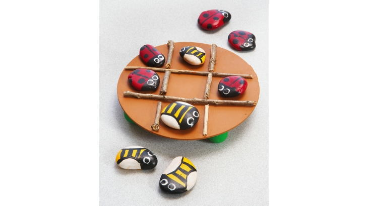 Insect Painted Rock Tic Tac Toe Not only can you create your own insect painted rock tic tac toe, but you can also play this game for hours! The best part is that you and the kids can go on an adventure to collect rocks before you begin. thesawguy.com
