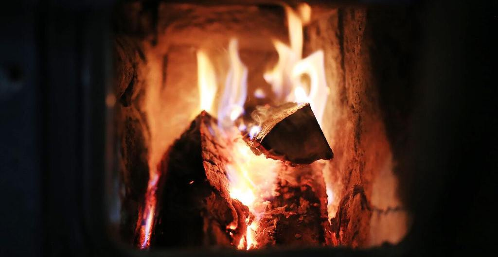 how to build an outdoor fireplace_1
