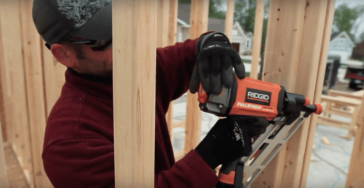 clipped head vs round head nailer