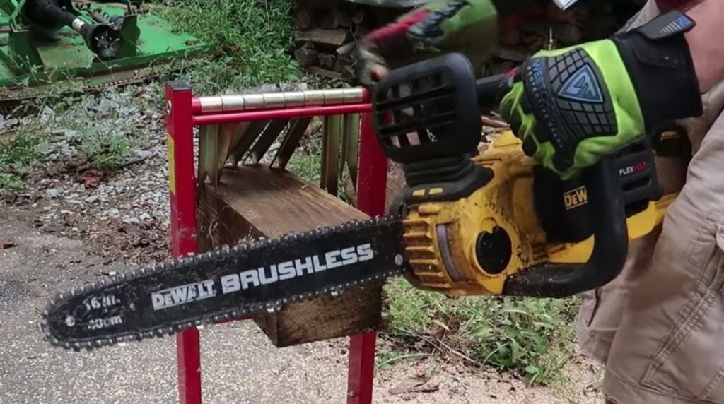 lowes chainsaws dewalt