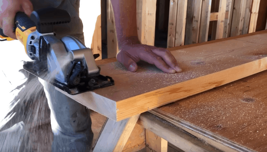 Best Small Circular Saw Review