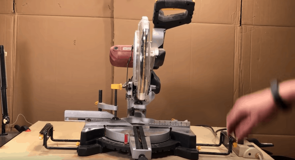 Chicago Electric Miter Saw 2